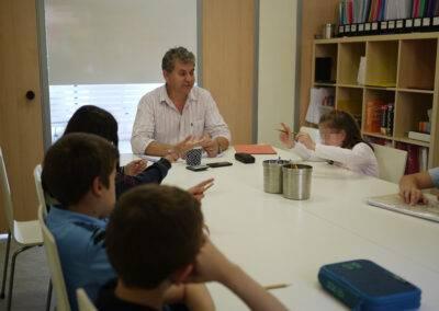 Learning English at World Idiomas Aranjuez